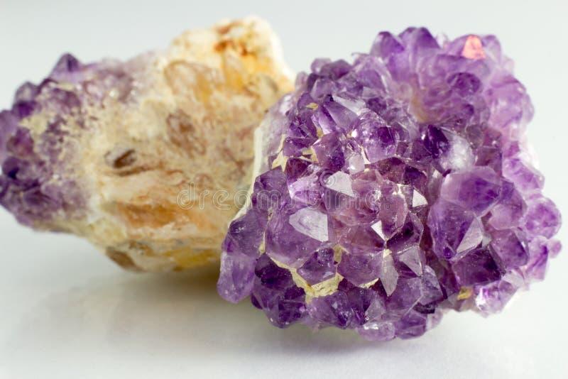 Download Piedra Hermosa Y Natural De Amethista Foto de archivo - Imagen de púrpura, amethyst: 42439472