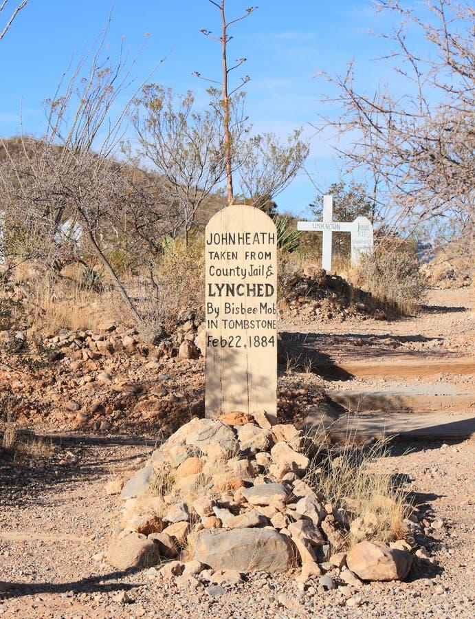 Piedra sepulcral, Arizona: Cementerio de la colina de la bota - sepulcro con la lápida mortuoria de madera imagen de archivo libre de regalías