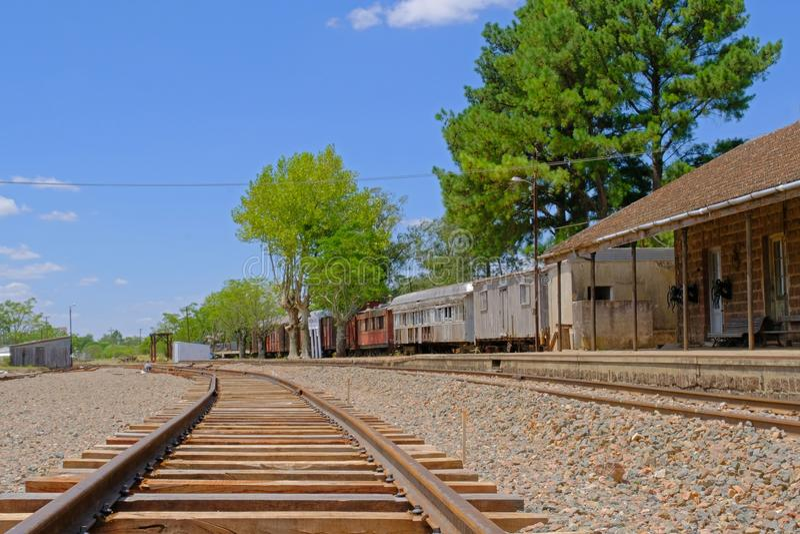 Piedra Sola, Paysandu, Urugwaj, Styczeń 05, 2018: Zaniechany kolejowy dworzec Piedra Sola, Salto, Urugwaj obrazy stock