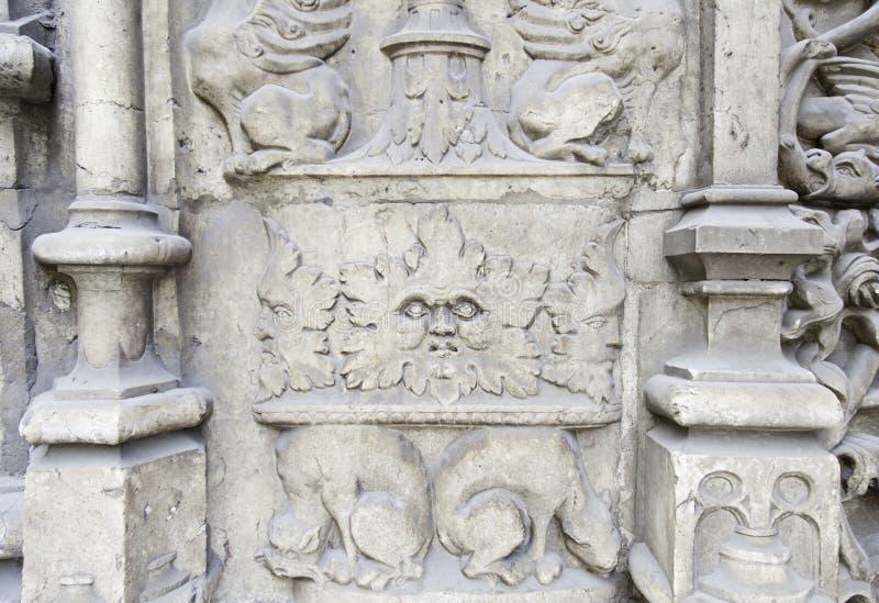 Piedra tallada con las figuras fotos de archivo libres de regalías