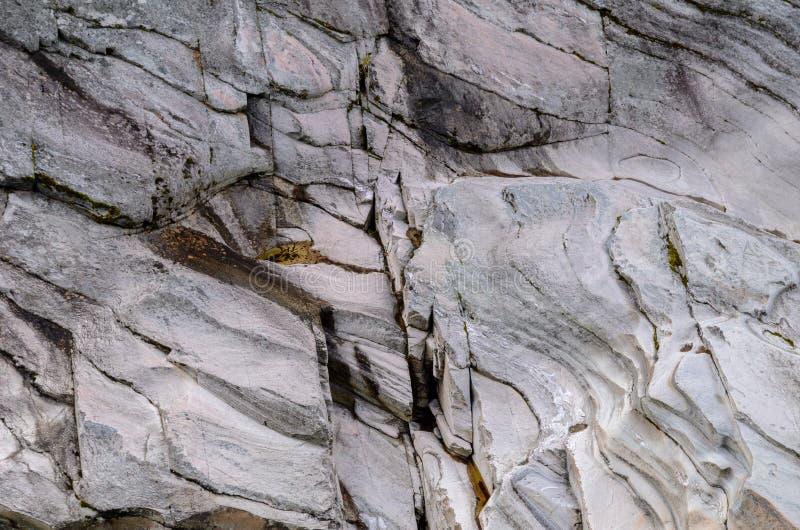 Piedra vertical erosionada imagen de archivo