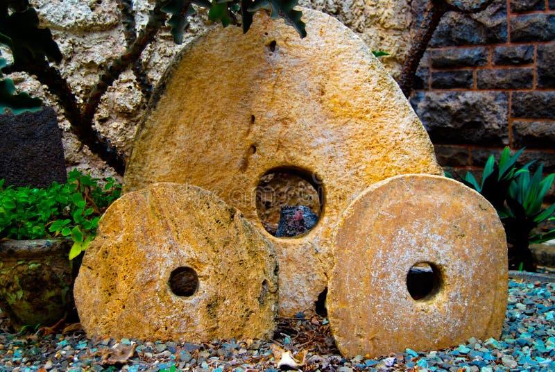 Piedras antiguas del lastre imágenes de archivo libres de regalías
