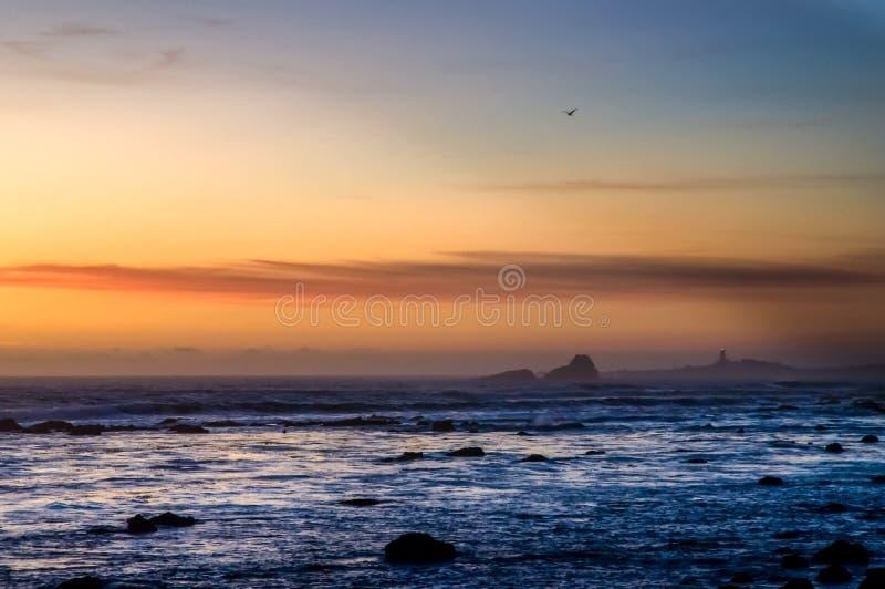 Piedras Blancas fyr på den centrala kusten av Kalifornien arkivfoto