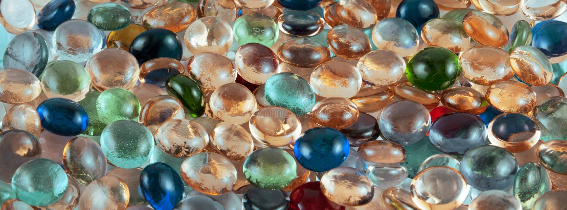 Piedras de cristal multicoloras imagen de archivo libre de regalías