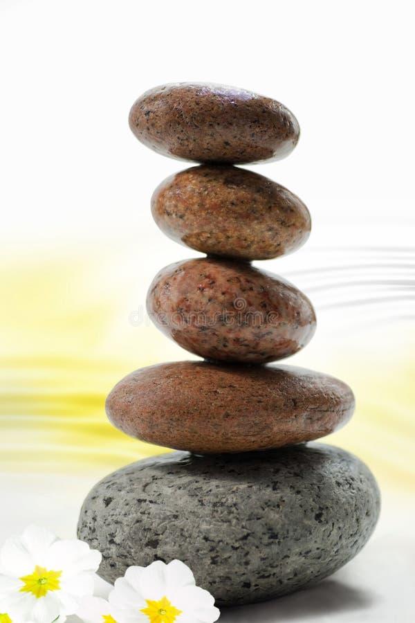 download piedras de equilibrio del zen foto de archivo imagen de primer fondo - Piedras Zen