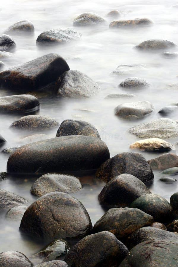 Piedras del océano imagenes de archivo