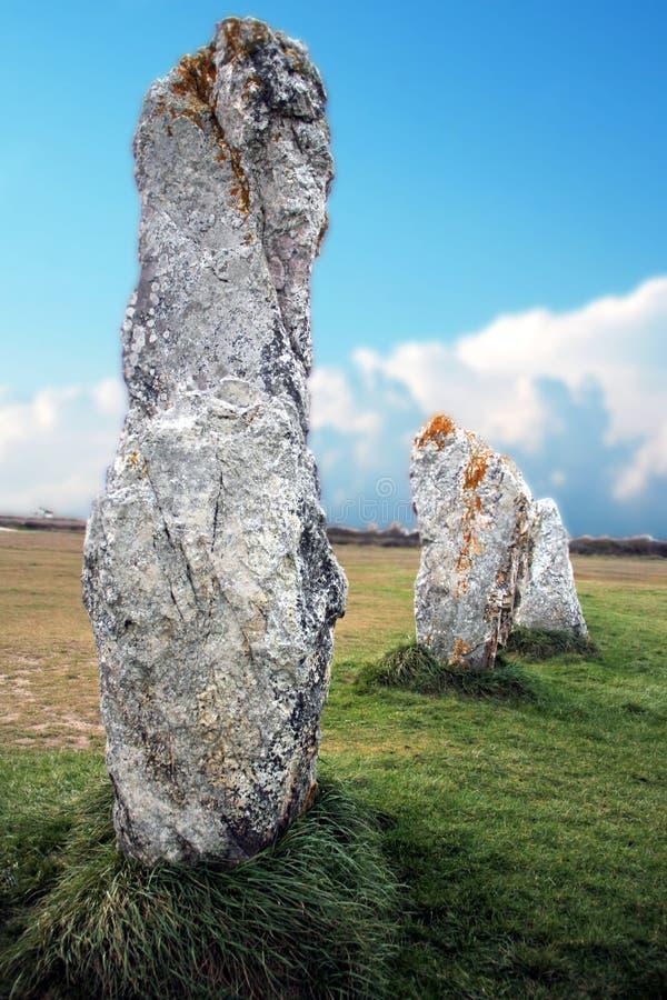 Piedras derechas antiguas en Bretaña francesa imagen de archivo libre de regalías