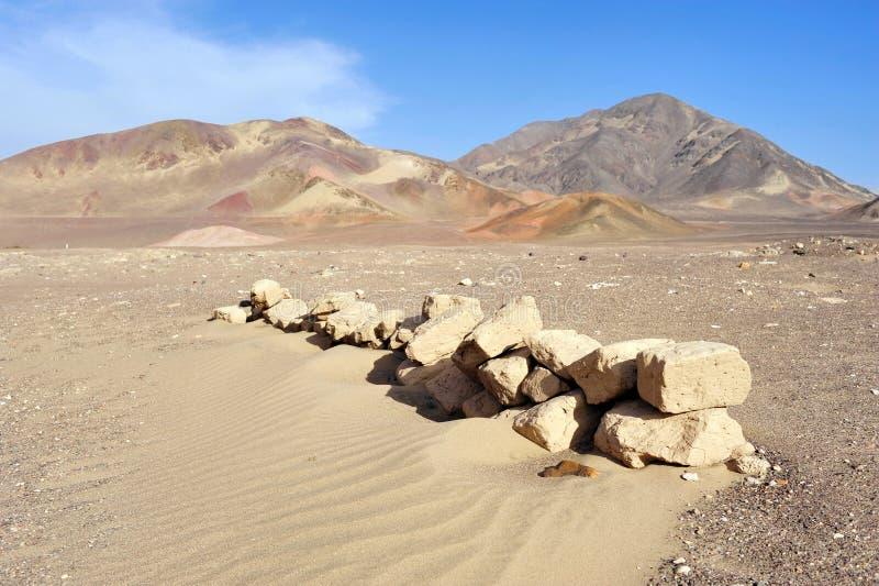 Piedras en el desierto de Nazca fotos de archivo libres de regalías