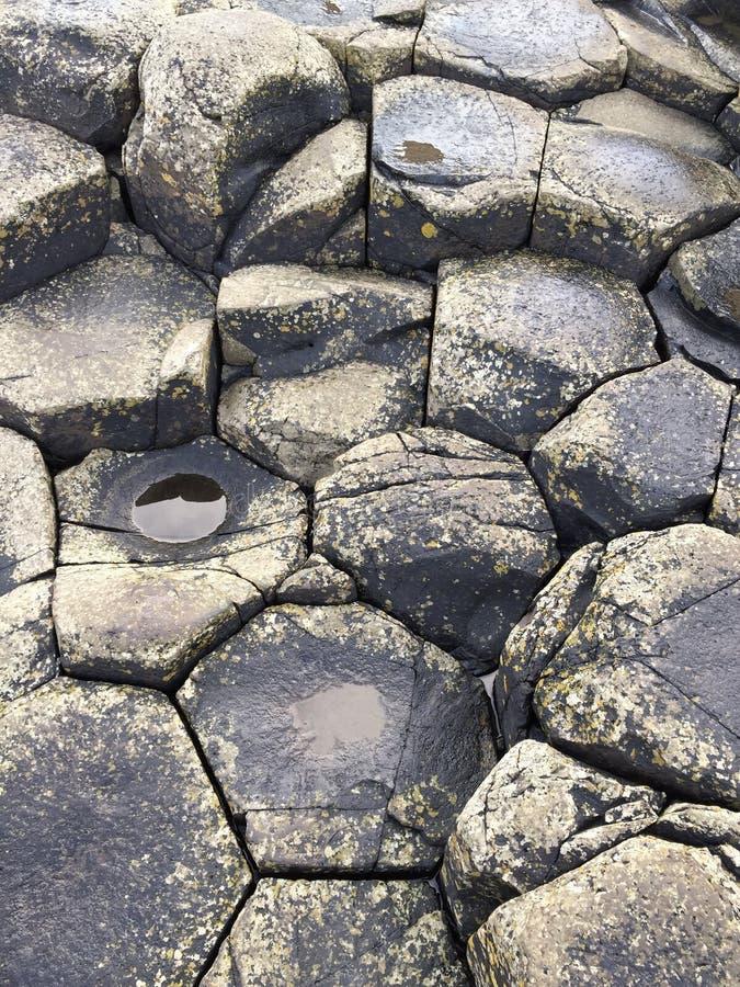 Piedras en el terraplén de Giants imagenes de archivo