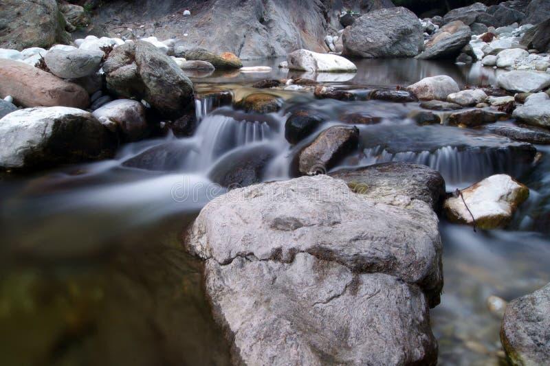 Piedras en la corriente foto de archivo libre de regalías