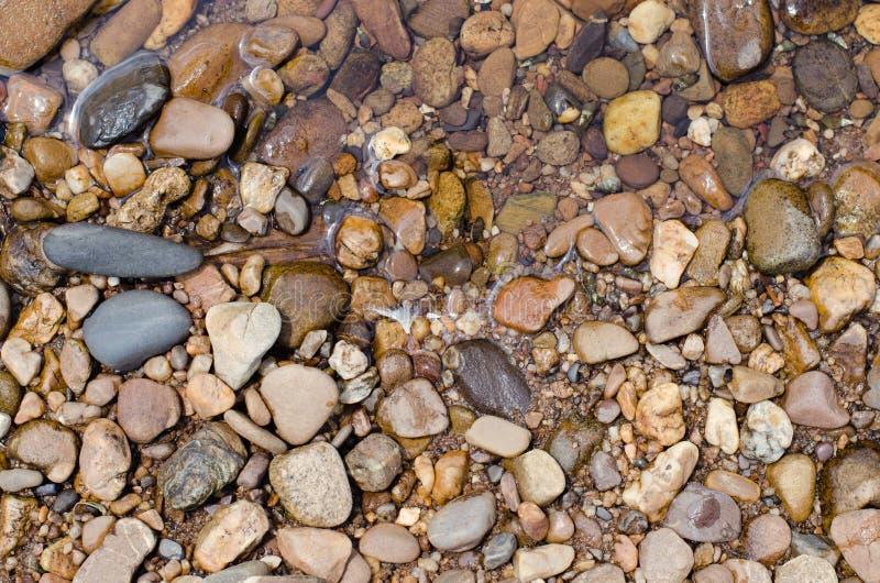 Piedras en Riverbank foto de archivo libre de regalías