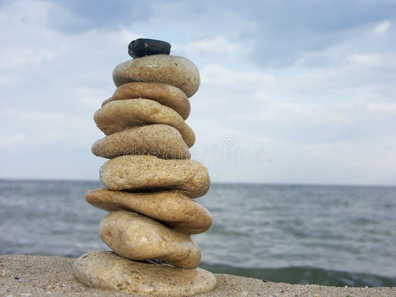 Piedras equilibradas fotos de archivo