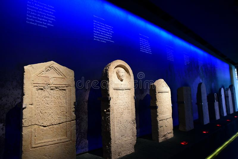 Piedras sepulcrales romanas en Carnuntum imagen de archivo