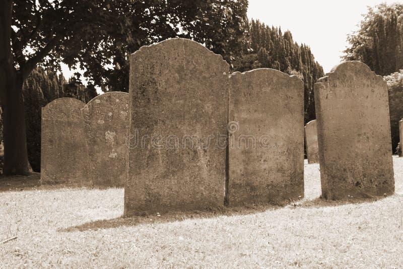 Download Piedras sepulcrales viejas imagen de archivo. Imagen de churchyard - 41903345