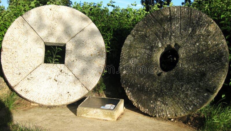 Piedras viejas del molino imagen de archivo libre de regalías