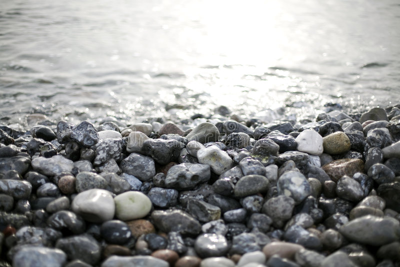 Piedras y agua fotos de archivo libres de regalías