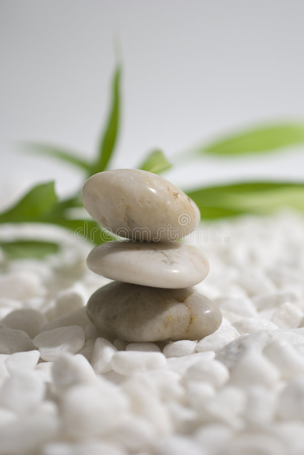 Piedras y bambú del zen fotografía de archivo libre de regalías