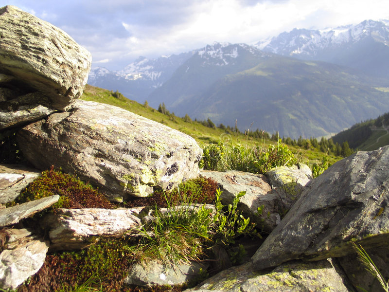 Piedras y montañas fotografía de archivo libre de regalías