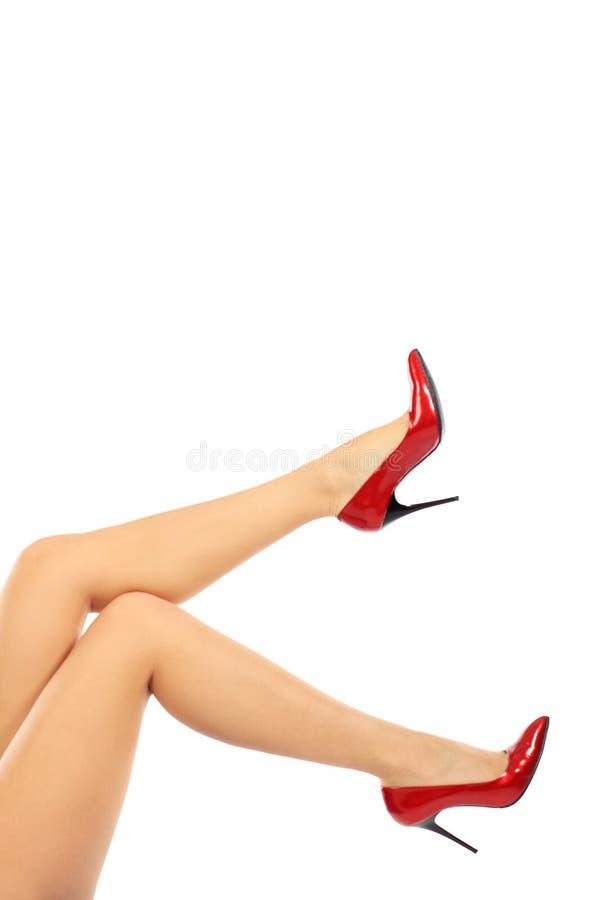 Pieds dans des chaussures photo libre de droits