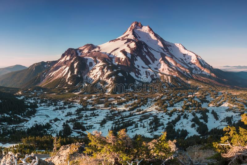 ? 10 492 pieds de haut, Mt Jefferson est la montagne en second lieu la plus grande de l'Or?gon B?ti Jefferson Wilderness Area, Or image libre de droits