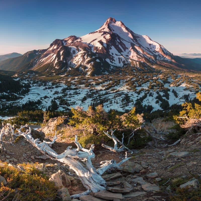 ? 10 492 pieds de haut, Mt Jefferson est la montagne en second lieu la plus grande de l'Or?gon B?ti Jefferson Wilderness Area, Or images stock