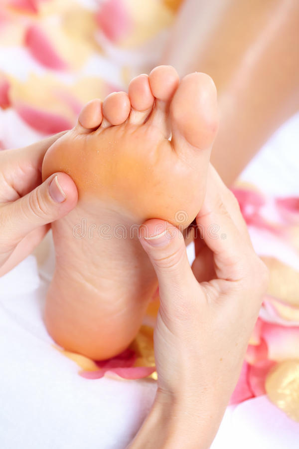 Pieds de massage. photo stock
