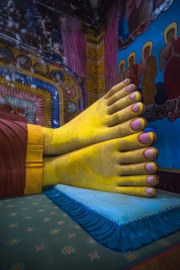 Pieds He la plus grande statue de Bouddha étendu de Sri Lanka photos libres de droits