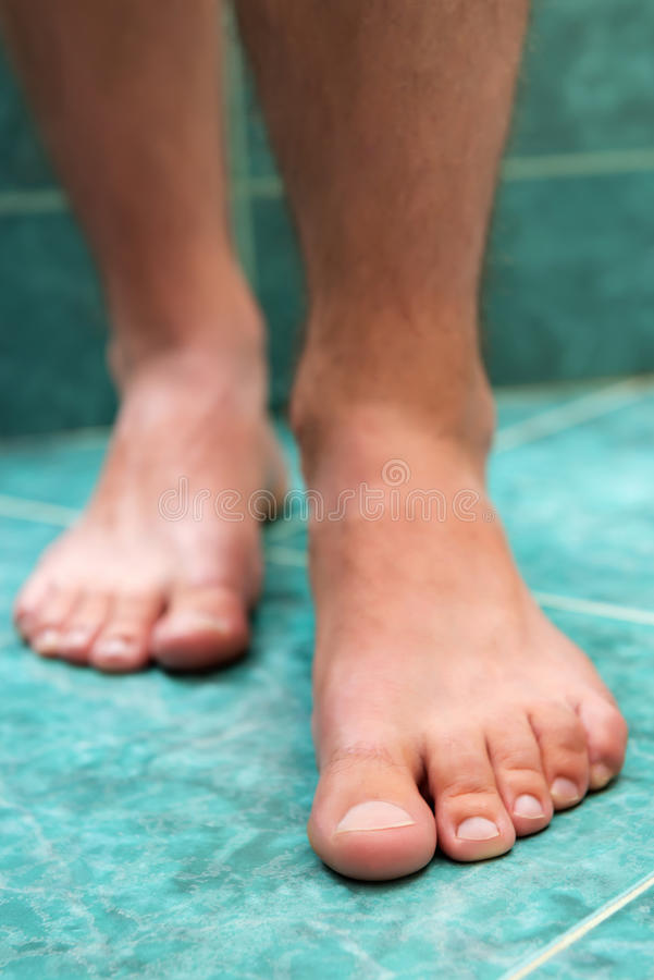 Pieds masculins sains photographie stock