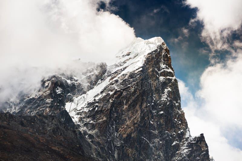 Piek van onderstel Taboche in Himalayagebergte, Nepal royalty-vrije stock afbeelding
