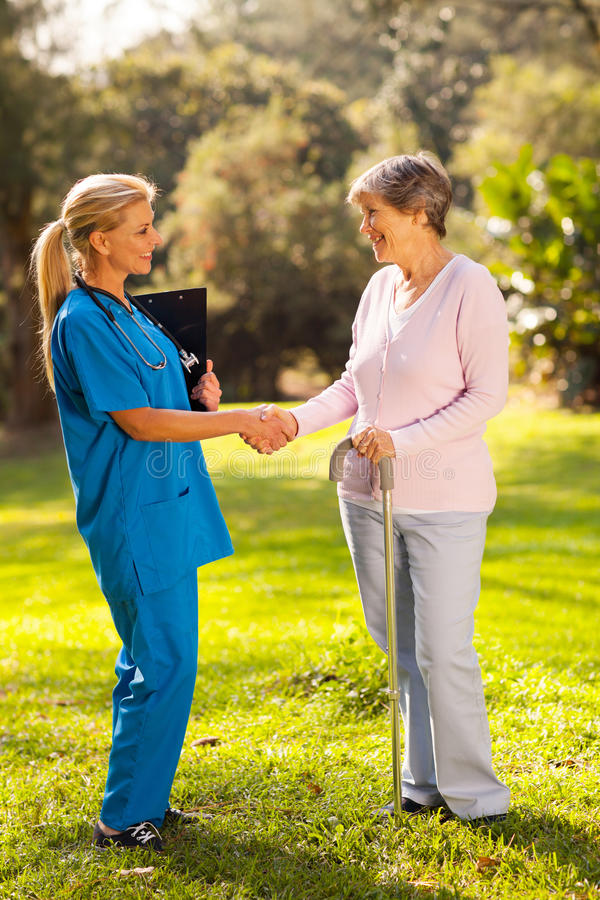 Pielęgniarki powitania pacjent zdjęcia royalty free