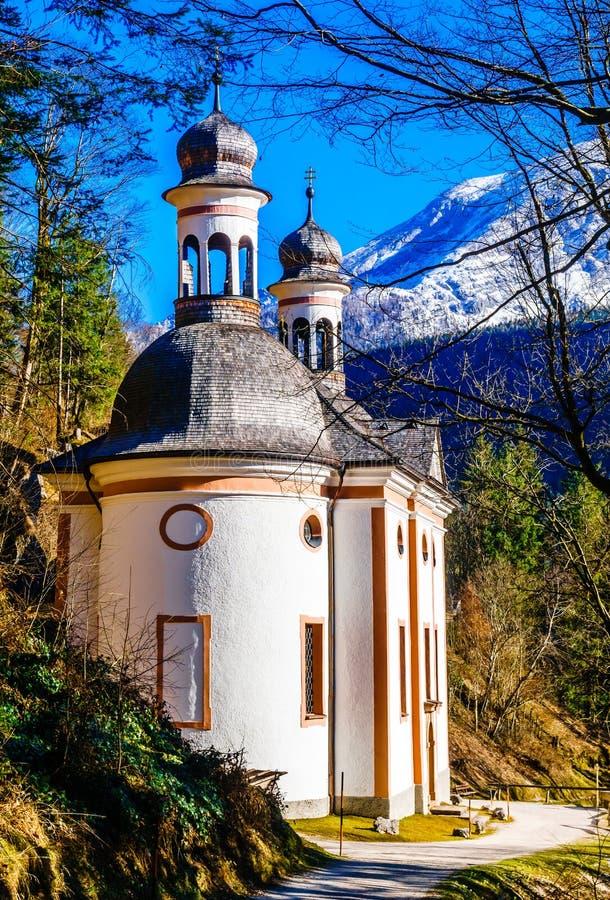 Pielgrzymki Maria kościelny wstąpienie w bavarian alps - Niemcy zdjęcie stock