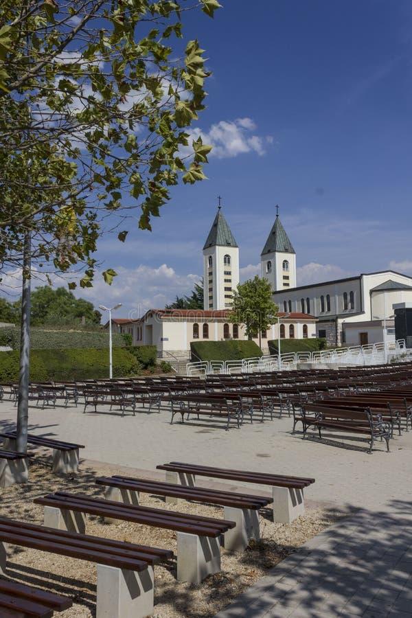 Pielgrzymki miejsce świętego James kościół w Medjogorje zdjęcia stock