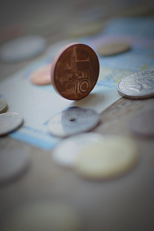 Pieniądze musi staczać się fotografia royalty free