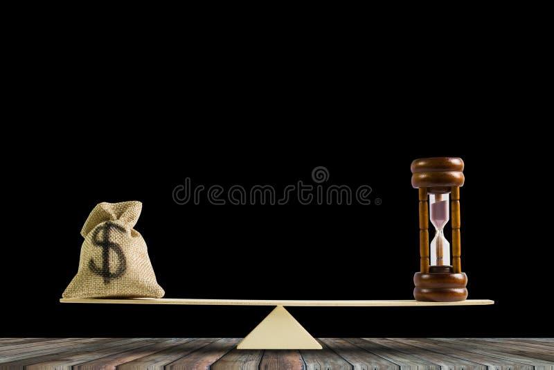 Pieniądze, czas równowaga, zmiana pieniądze w gotówkę i odwrotności concep, fotografia stock