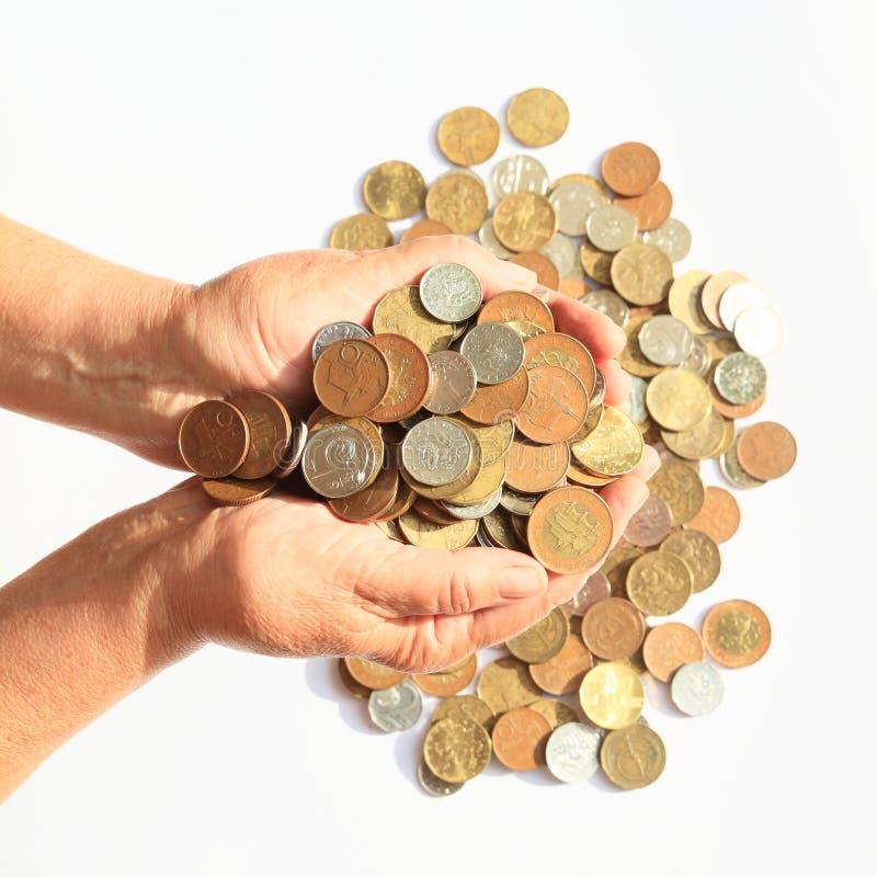 Pieniądze holded w rękach - czeskie korony obraz stock