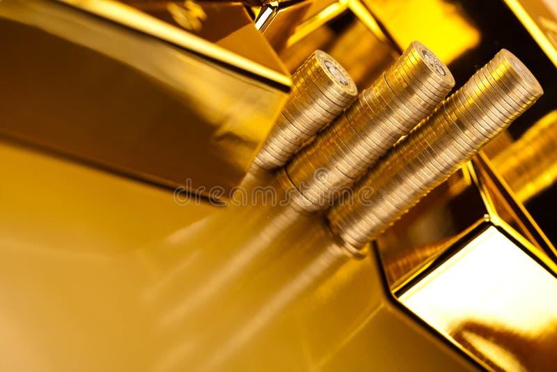 Pieniądze, monety i złoto, nastrojowy pieniężny pojęcie obrazy royalty free