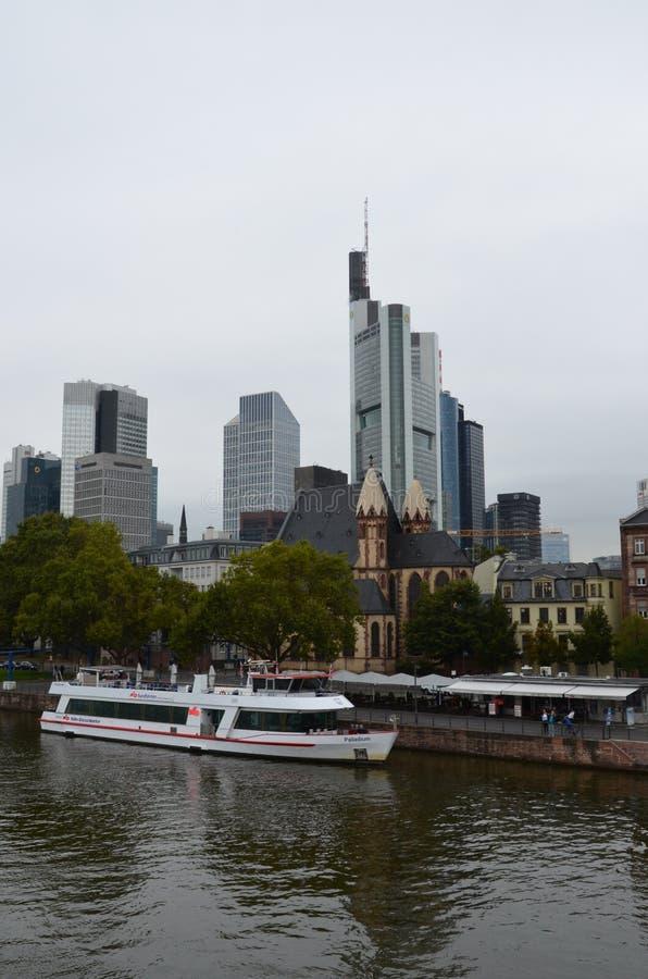 Pieniężny okręg w Frankfurt magistrala - jest - fotografia royalty free
