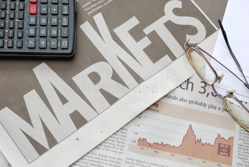 pieniężny zbliżenie wykres wprowadzać na rynek tekst obraz stock