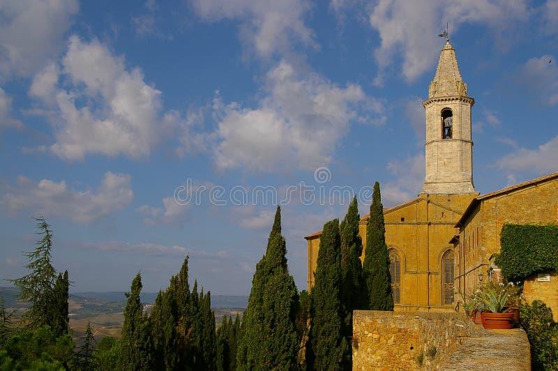 Pienza kyrka i Tuscany Italien arkivbild