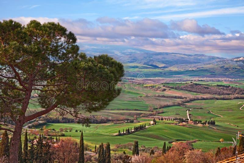 Pienza Siena, Tuscany, Italien: landskap av de Vall D 'Orcia kullarna arkivfoto