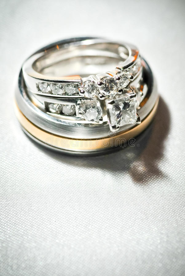 pierścionków target622_1_ fotografia stock