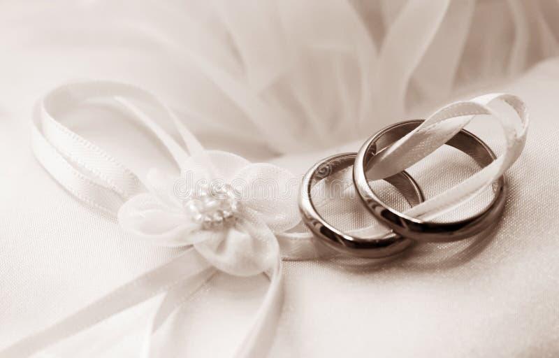 pierścionków target838_1_ obraz stock