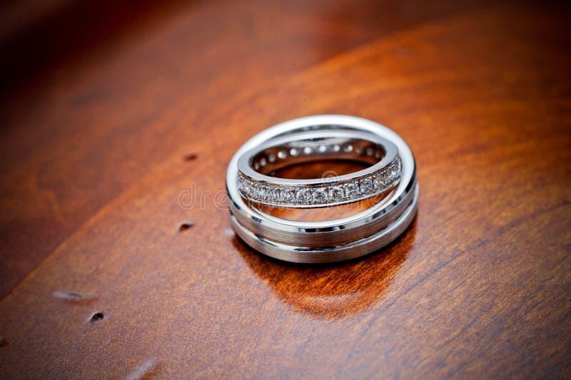 pierścionki target2418_1_ drewno fotografia stock