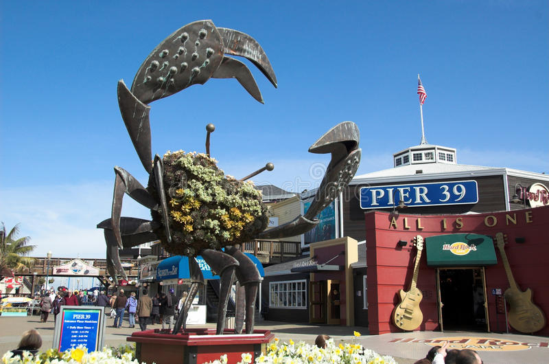 Download Pier 39 editorial stock photo. Image of trinkets, pier - 18264428