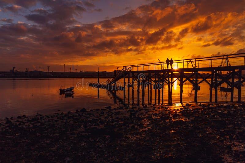 Pier auf dem Strand von Zeluan lizenzfreie stockfotos