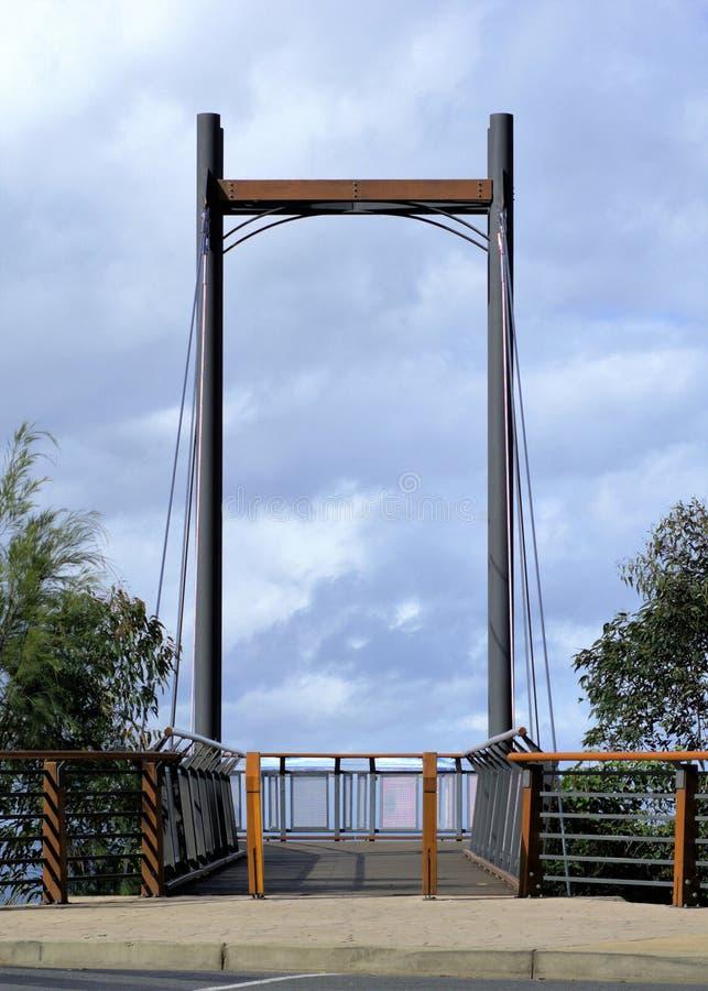 Pier in den Wolken oder im Zugang zum Himmel lizenzfreie stockfotografie