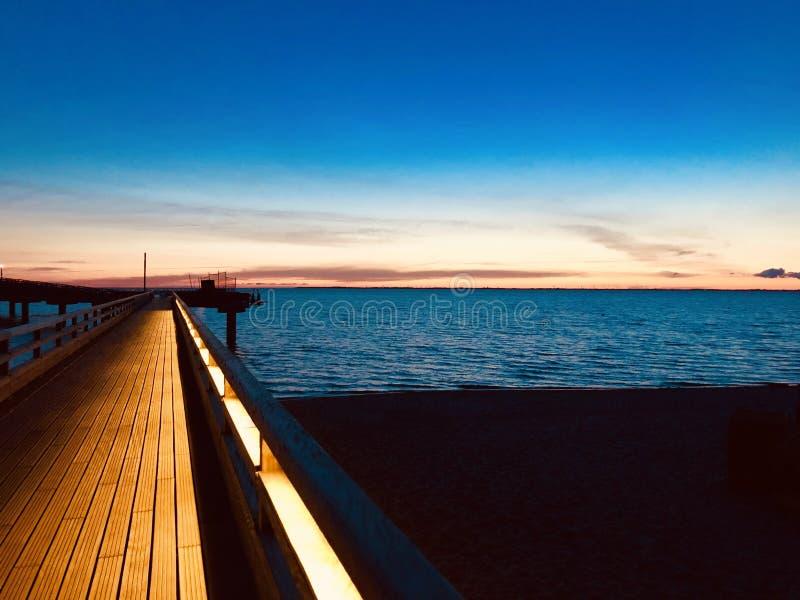 Pier in Heiligenhafen, Deutschland stockfotografie