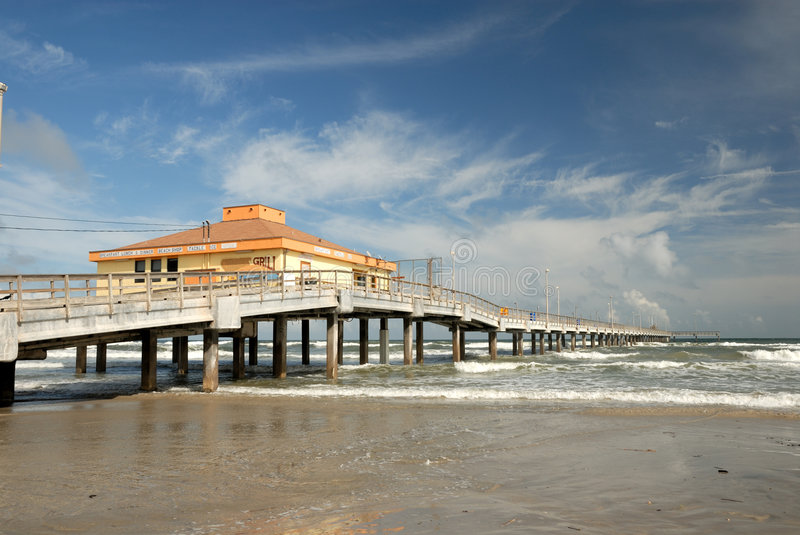 Download Pier On Padre Island, Texas USA Royalty Free Stock Images - Image: 6939299