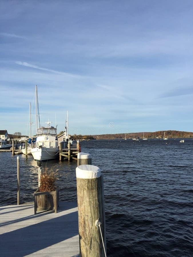 Pier und Hafen in Connecticut lizenzfreie stockfotografie