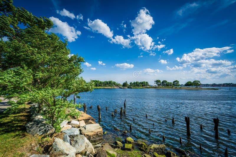Pieranhäufungen im Seekonk-Fluss, in Providence, Rhode Island stockfoto